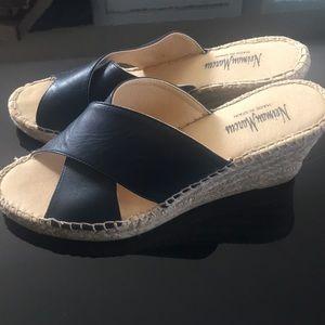 ❄️NWOT Neiman Marcus sandals